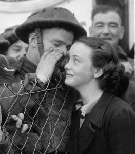 1939 Brit soldier & girlfriend